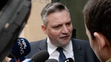 Photo of Konrad Mizzi Interrogated